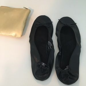 Dr. Scholl's Fast Flats and Travel Bag